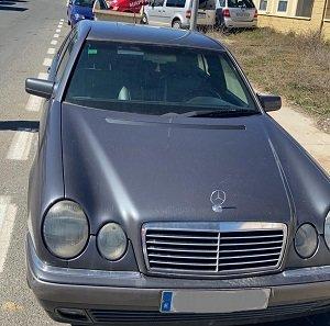 Mercedes E(210) 290 TD 1998 2